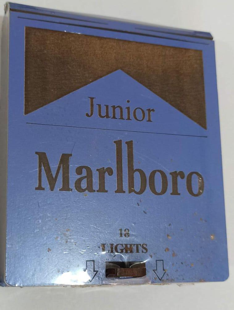 سیگار پاکت چوبی ابی جونیور مارلبرو Marlboro Junior - سیگار پاکت چوبی ابی جونیور مارلبرو Marlboro Junior